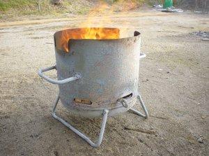 ダッチオーブンコンロ:焚き火台として使用