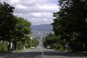 函館2(坂の上から)