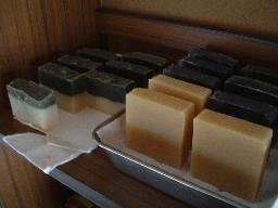 棚の石鹸たち