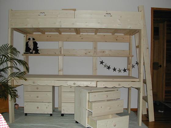 机付きベッド 2