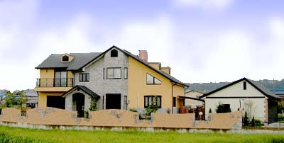 田園の中のモダンな家