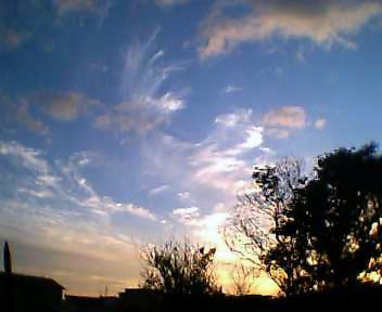 雲・夕日をあびて