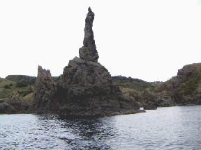 天上界のロウソク岩
