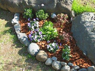 ミニ花壇1
