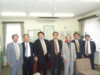 日本総領事と会談