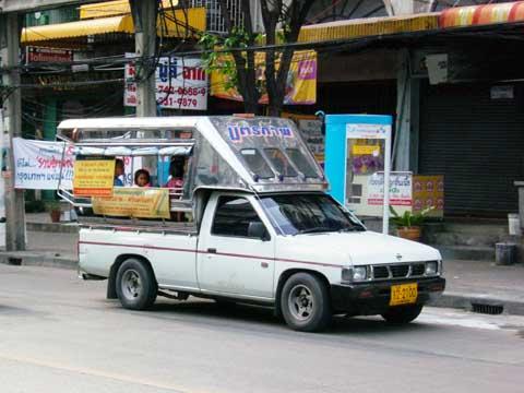 ピックアップトラックを改造したソンテオ