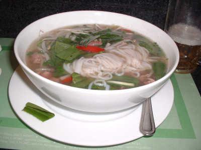 ベトナム名物料理のフォー