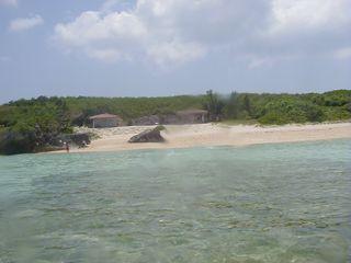 北端にある「ニシハマビーチ」です。