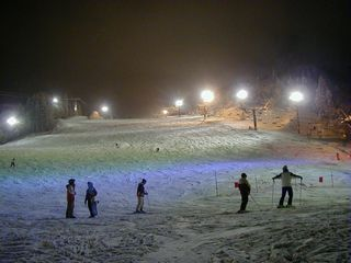蔵王温泉スキー場のナイター。