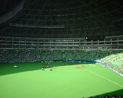福岡ドーム・ホークス勝つと屋根が開く